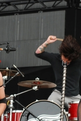 Pop Evil at Rock on the Range 2013 (credit Adam Bielawski)