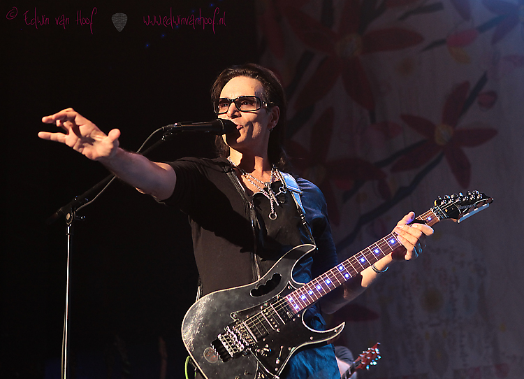Steve Vai in Full Grandeur at De Roma Theater